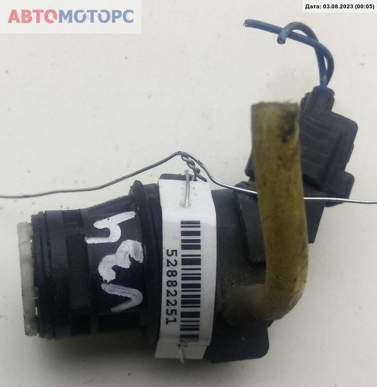 Насос (моторчик) омывателя стекла Toyota  85330-60180