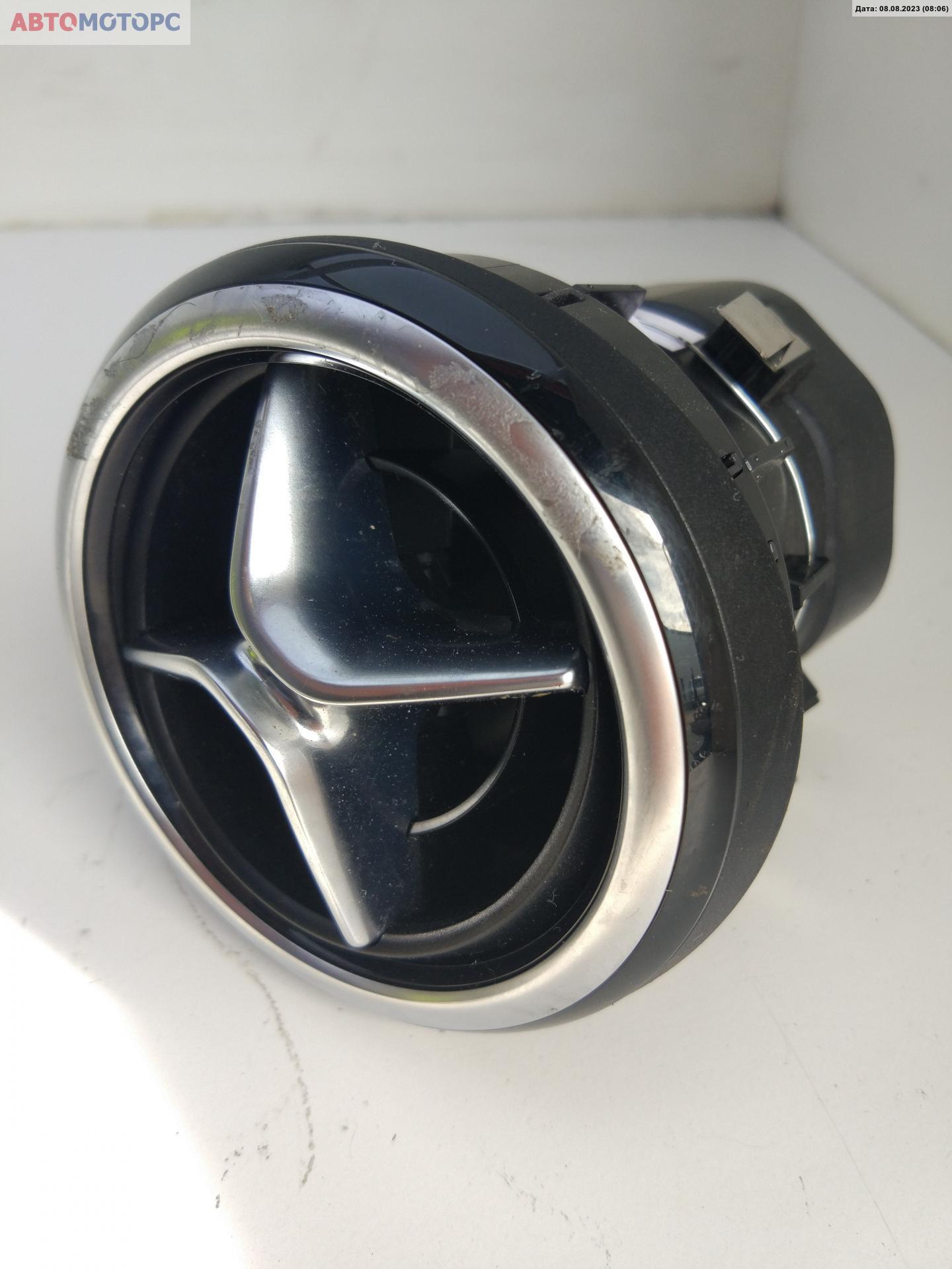 Дефлектор обдува салона Mercedes B W246 2468304100