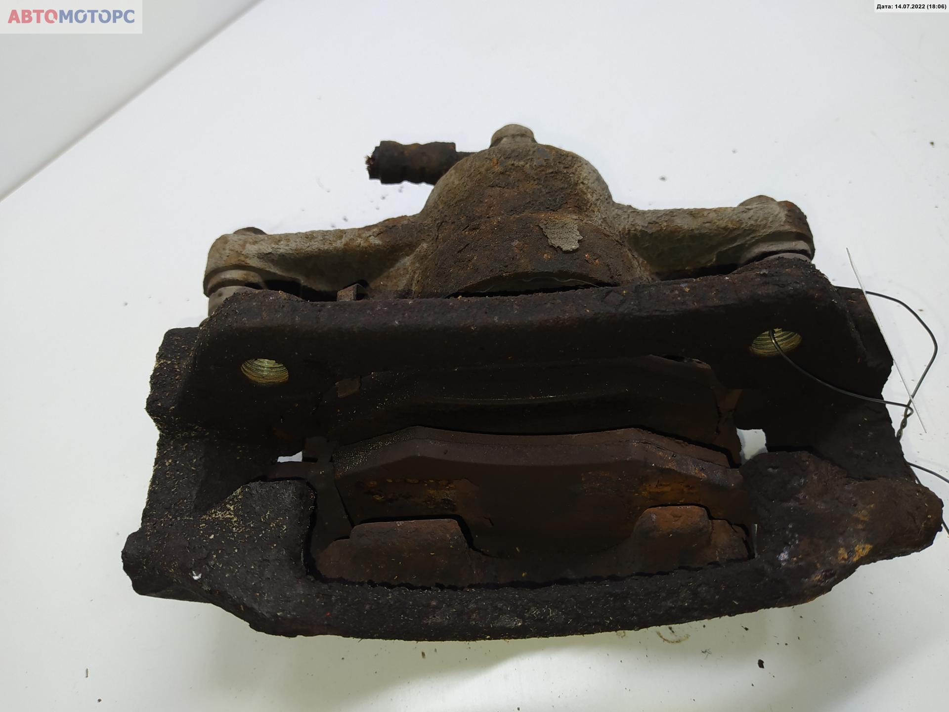 Суппорт тормозной передний правый Toyota