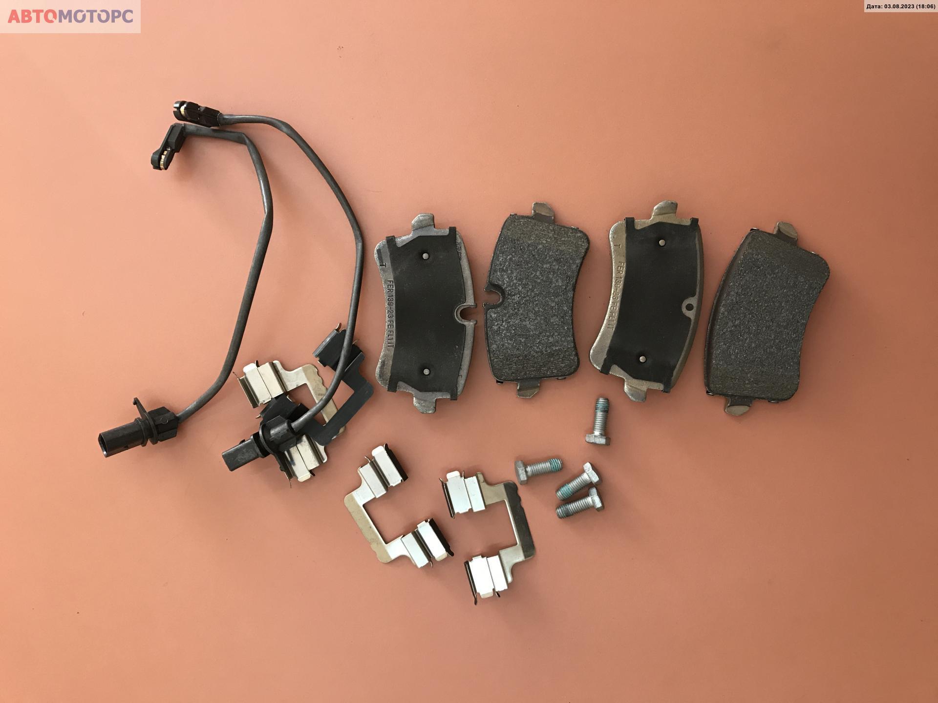 Тормозные колодки задние   4H0698451A