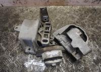 Подушка крепления двигателя Volkswagen Bora Артикул 50846452 - Фото #1