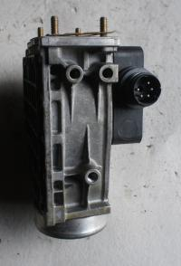 Измеритель потока воздуха BMW 5-series (E34) Артикул 51055216 - Фото #2