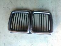 Решетка радиатора BMW 7-series (E32) Артикул 780329 - Фото #1