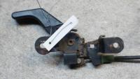 Ручка открывания капота Ford Escort Артикул 51539529 - Фото #1
