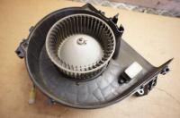 Двигатель отопителя (моторчик печки) Mazda 323 F Артикул 51549637 - Фото #1