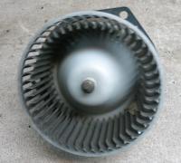 Двигатель отопителя (моторчик печки) Mazda 626 Артикул 51771896 - Фото #1