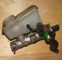 Цилиндр тормозной главный Mazda Xedos 6 Артикул 1118590 - Фото #1