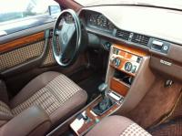 Mercedes W124 Разборочный номер 51880 #3