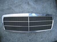 Решетка радиатора Mercedes W210 (E) Артикул 50683234 - Фото #1