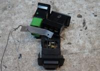 Кнопки управления прочие (включатель) Mitsubishi Pajero Артикул 51748422 - Фото #1