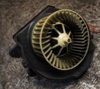 Двигатель отопителя (моторчик печки) Opel Omega B Артикул 51050613 - Фото #1