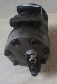 Компрессор кондиционера Renault Laguna I (1993-2000) Артикул 50800419 - Фото #2