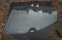 Стекло боковой двери Suzuki Liana Артикул 51388289 - Фото #1