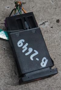 Кнопка аварийной сигнализации (аварийки) Volkswagen Passat B5 Артикул 50884011 - Фото #1