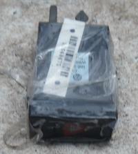 Кнопка аварийной сигнализации (аварийки) Volkswagen Passat B5 Артикул 51048471 - Фото #1