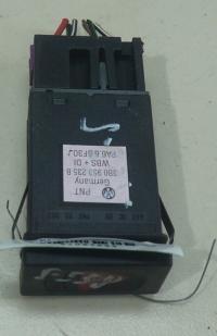 Кнопка аварийной сигнализации (аварийки) Volkswagen Passat B5 Артикул 51057623 - Фото #1