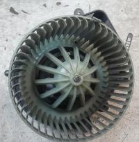 Двигатель отопителя Volkswagen Passat B5 Артикул 51807548 - Фото #1